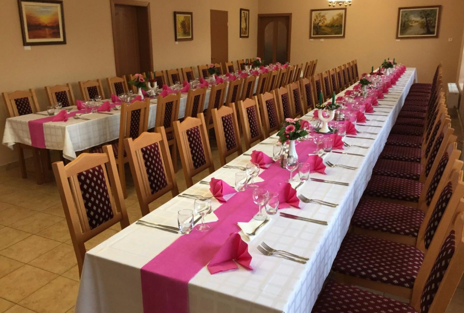 Díszítés, esküvői menü összeállítása, lakodalmak teljes körű rendezése