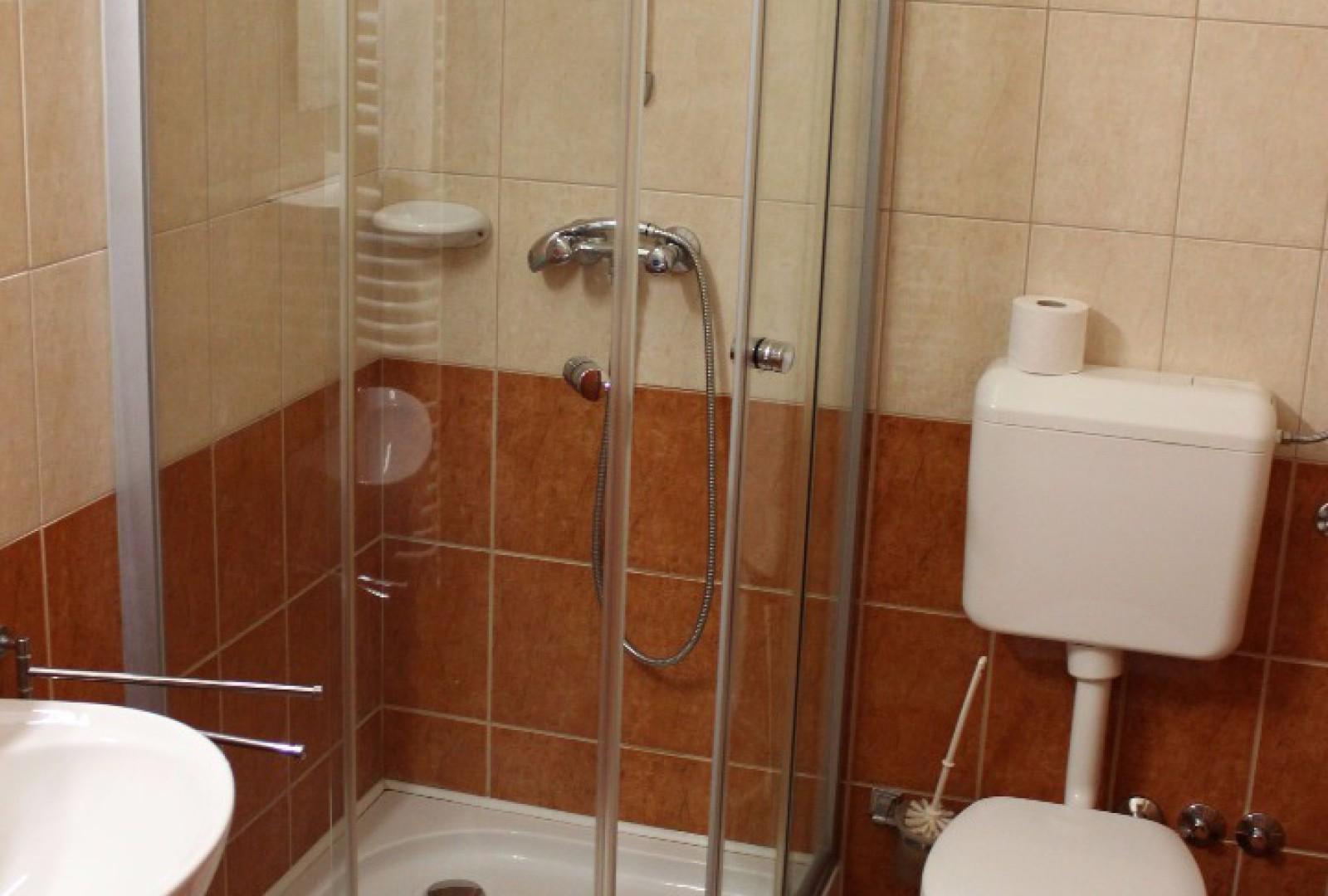 Minden szobának saját fürdőszobája van